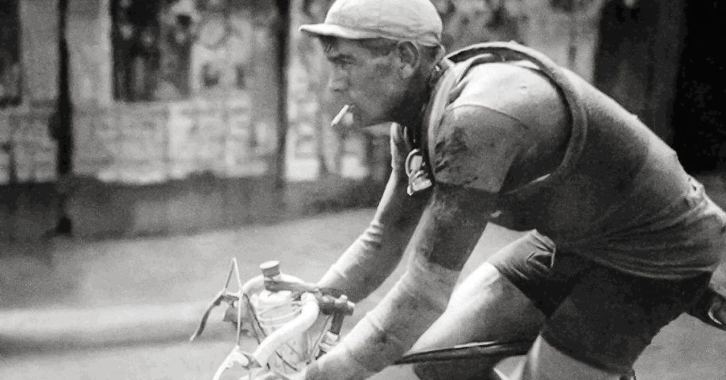 Smoking and cycling in the 1920's